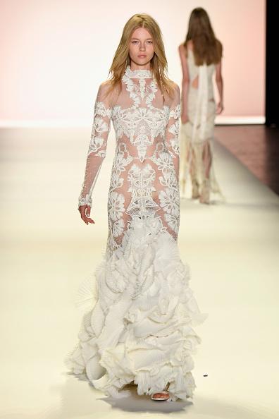 Frazer Harrison「Jonathan Simkhai - Runway - September 2016 - New York Fashion Week: The Shows」:写真・画像(6)[壁紙.com]