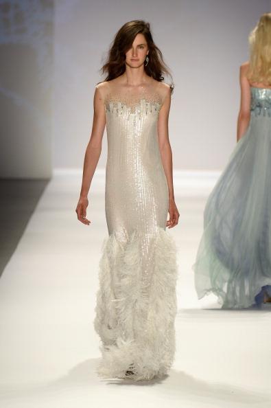 Bangs「Tadashi Shoji - Runway - Mercedes-Benz Fashion Week Spring 2014」:写真・画像(11)[壁紙.com]