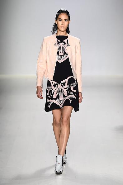 Jacket「Oudifu- Runway - Mercedes-Benz Fashion Week Fall 2015」:写真・画像(7)[壁紙.com]