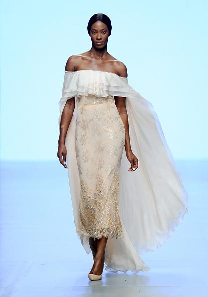 Off Shoulder「Madiyah Al Sharqi - Runway - Fashion Forward Dubai October 2014」:写真・画像(19)[壁紙.com]