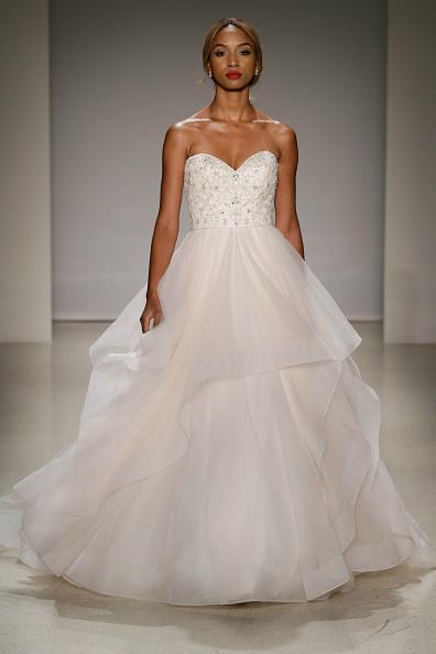 Wedding Dress「Alfred Angelo Spring 2017 Bridal Show With Disney Weddings」:写真・画像(11)[壁紙.com]