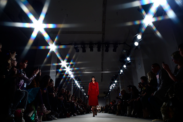 Mercedes-Benz Fashion Week - Berlin「Lena Hoschek Show - Mercedes-Benz Fashion Week Berlin A/W 2017」:写真・画像(8)[壁紙.com]