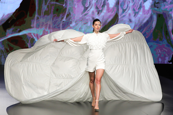 Slit - Clothing「Jordan Fashion Week 019 - Lindt Chocolate Couture」:写真・画像(19)[壁紙.com]