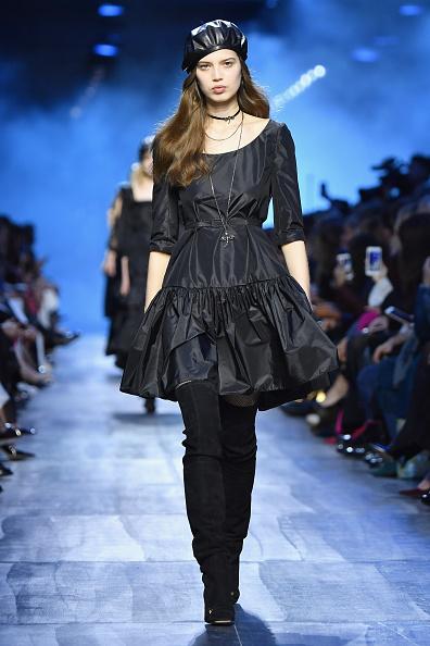 A-Line「Christian Dior : Runway - Paris Fashion Week Womenswear Fall/Winter 2017/2018」:写真・画像(18)[壁紙.com]