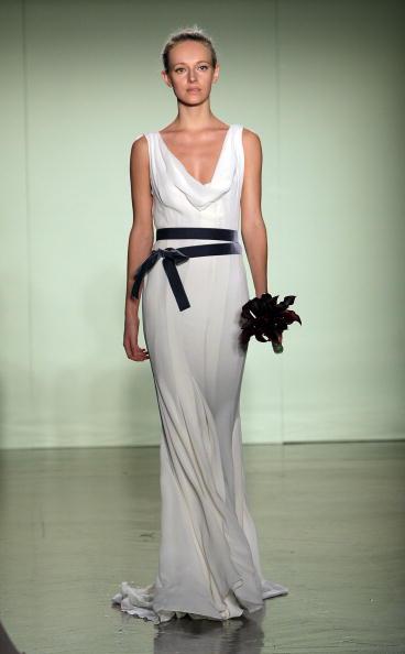 Bride「Vera Wang Bridal Collection」:写真・画像(18)[壁紙.com]