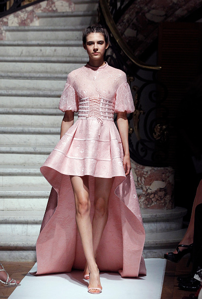 Pale Pink「Marie Elie  : Runway - Paris Fashion Week Womenswear Spring/Summer 2017」:写真・画像(14)[壁紙.com]