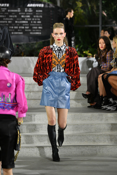 Skirt「Louis Vuitton Cruise 2020 Fashion Show」:写真・画像(18)[壁紙.com]