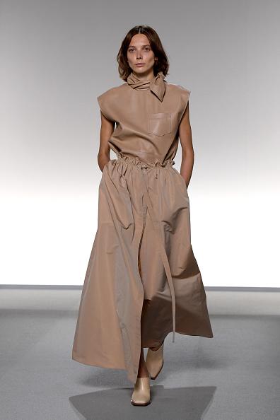 Catwalk - Stage「Givenchy : Runway - Paris Fashion Week - Womenswear Spring Summer 2020」:写真・画像(5)[壁紙.com]