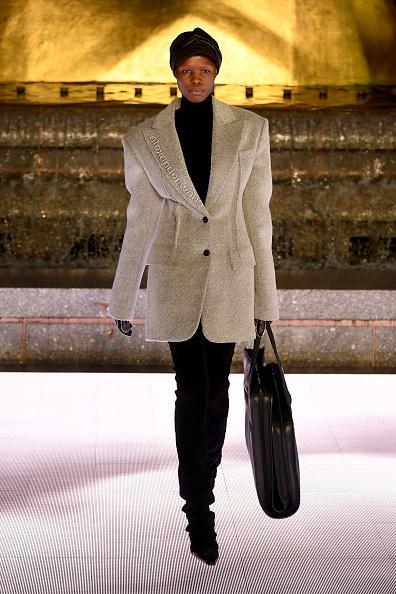 Jacket「Alexander Wang Collection 1 - Runway」:写真・画像(6)[壁紙.com]