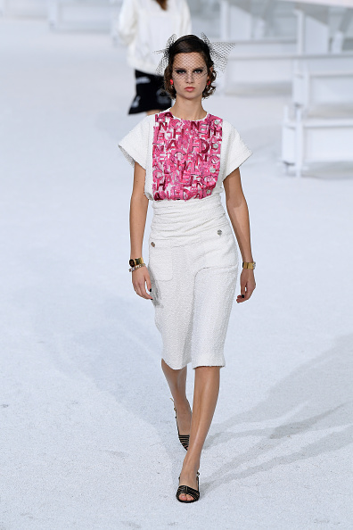 Catwalk - Stage「Chanel : Runway - Paris Fashion Week - Womenswear Spring Summer 2021」:写真・画像(2)[壁紙.com]