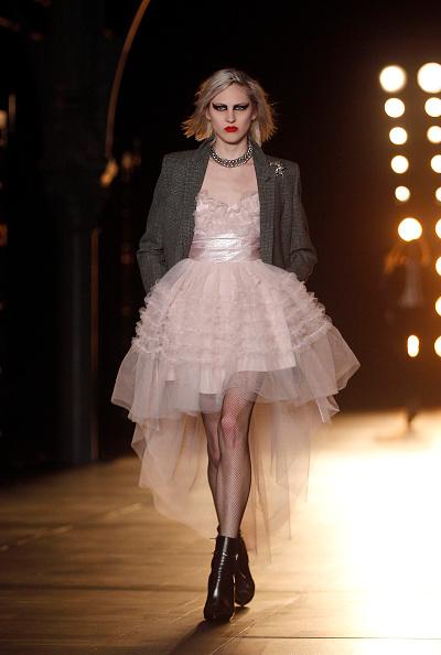 Catwalk - Stage「Saint Laurent : Runway - Paris Fashion Week Womenswear Fall/Winter 2015/2016」:写真・画像(7)[壁紙.com]