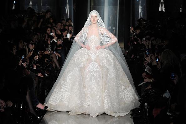 Wedding Dress「Elie Saab: Runway - Paris Fashion Week Haute-Couture Spring/Summer 2013」:写真・画像(1)[壁紙.com]
