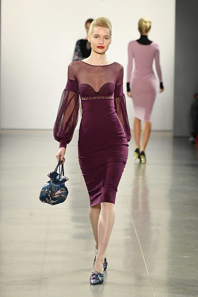 Lantern Sleeve「Chiara Boni La Petite Robe - Runway - February 2019 - New York Fashion Week: The Shows」:写真・画像(5)[壁紙.com]