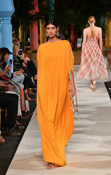 Orange Color「Oscar de la Renta - Runway - September 2019 - New York Fashion Week」:写真・画像(6)[壁紙.com]