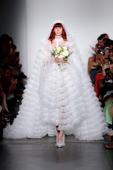 Wedding Dress「Laurence & Chico - Runway - September 2019 - New York Fashion Week: The Shows」:写真・画像(7)[壁紙.com]