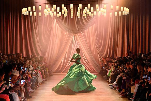 New York Fashion Week「Christopher John Rogers - Runway - February 2020 - New York Fashion Week: The Shows」:写真・画像(10)[壁紙.com]