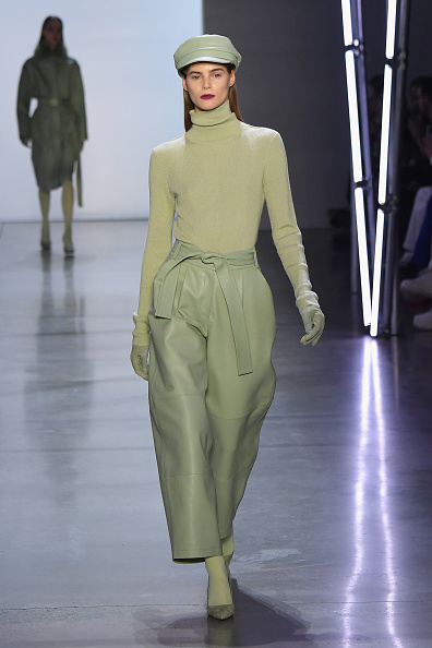 Catwalk - Stage「Sally LaPointe - Runway - February 2019 - New York Fashion Week: The Shows」:写真・画像(1)[壁紙.com]