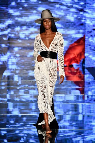 Crochet「Baes & Bikinis - Runway - Paraiso Fashion Fair」:写真・画像(7)[壁紙.com]