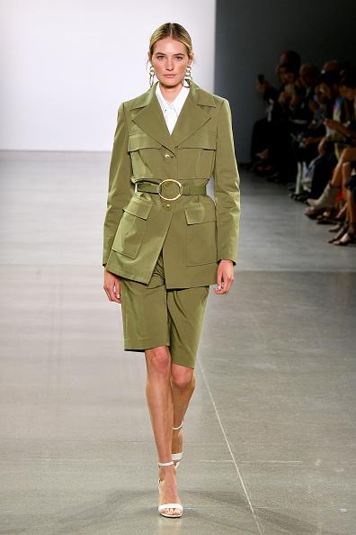 Shorts「Elie Tahari - Runway - September 2019 - New York Fashion Week: The Shows」:写真・画像(19)[壁紙.com]