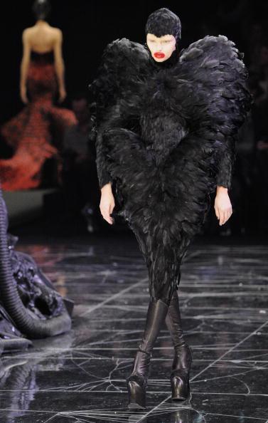 Alexander McQueen - Designer Label「Alexander McQueen: Paris Fashion Week Ready-to-Wear A/W 09」:写真・画像(10)[壁紙.com]