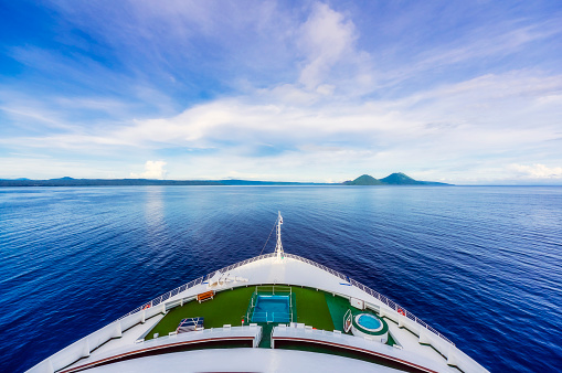 Active Volcano「Oceania, Papua New Guinea, Island of New Britain, View of volcanoes Tavurvur and Vulcan from cruise ship」:スマホ壁紙(4)