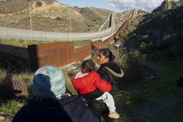 Mexico「Border Wall On US Mexico Border Continues To Be Sticking Point Driving Government Shutdown Into Its Third Week」:写真・画像(13)[壁紙.com]