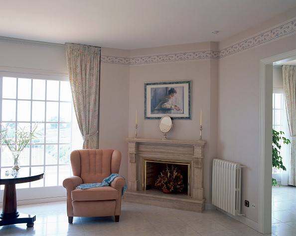 Rug「View of a comfortable fauteuil in a room」:写真・画像(5)[壁紙.com]