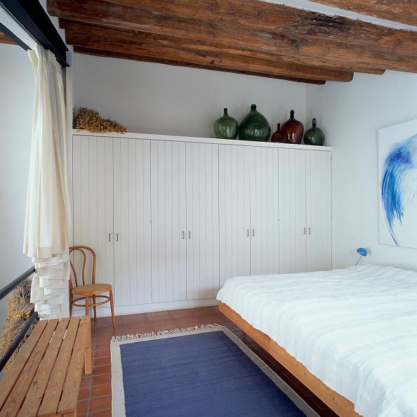 Rug「View of a cozy bedroom」:写真・画像(4)[壁紙.com]