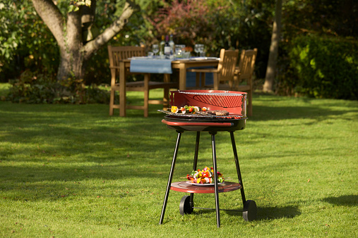 Barbecue Grill「BBQ food and table set for garden dining」:スマホ壁紙(7)