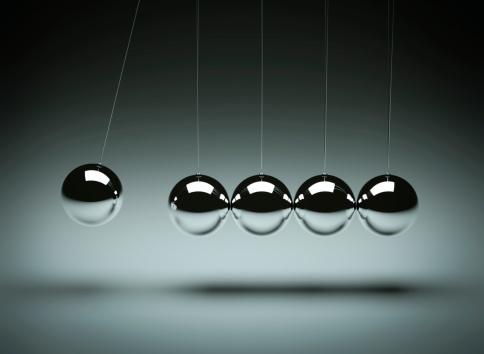 Physical Pressure「Balancing balls Newton's cradle」:スマホ壁紙(8)