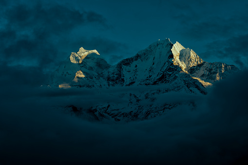 Ama Dablam「Nepal, Khumbu, Everest region, Thamserku and Kantega at sunset」:スマホ壁紙(18)