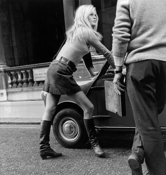Boot「Mini Car Mini Skirt」:写真・画像(11)[壁紙.com]
