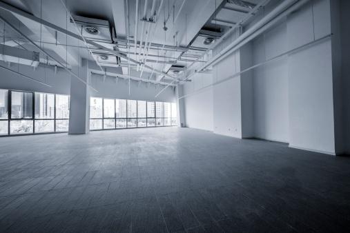 Elevated Walkway「Empty modern office」:スマホ壁紙(17)