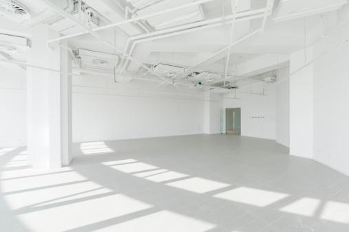 Industry「Empty modern office」:スマホ壁紙(6)