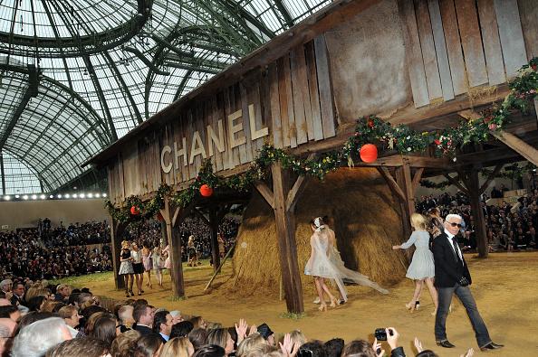 Grand Palais「Chanel - Paris Fashion Week Spring/Summer 2010」:写真・画像(17)[壁紙.com]
