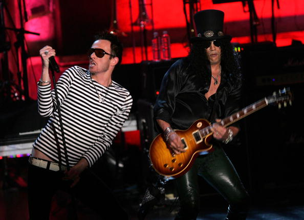 Cutting「2007 Rock And Roll Hall Of Fame Induction Ceremony - Show」:写真・画像(11)[壁紙.com]