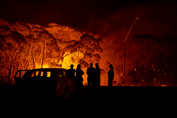 Flame「Evacuation Notices Issued Across NSW As Firefighters Prepare For Dangerous Bushfire Conditions」:写真・画像(7)[壁紙.com]