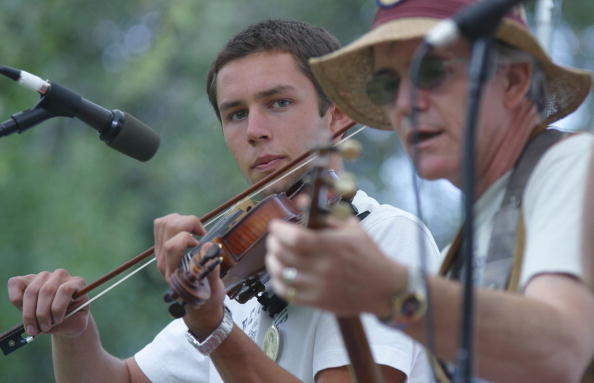 Musical instrument「Fiddlers Convention Held In California」:写真・画像(8)[壁紙.com]