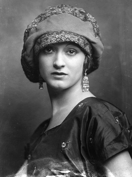 Earring「Cloth Hat」:写真・画像(2)[壁紙.com]