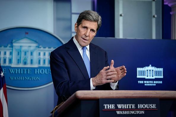 John Kerry「Press Secretary Jen Psaki And Climate Change Advisors Hold White House Press Briefing」:写真・画像(1)[壁紙.com]