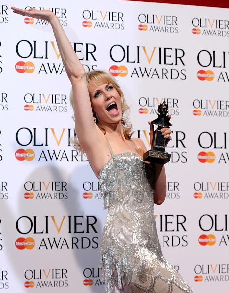 Best Performance Award「The Laurence Olivier Awards - Press Room」:写真・画像(17)[壁紙.com]