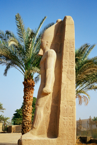 Alabaster「Ramesses II Statue from the ancient city of Memphis, Egypt」:スマホ壁紙(2)