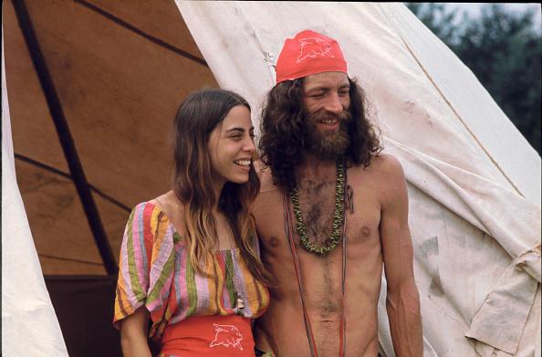 Attending「A Couple At Woodstock Music Festival」:写真・画像(11)[壁紙.com]
