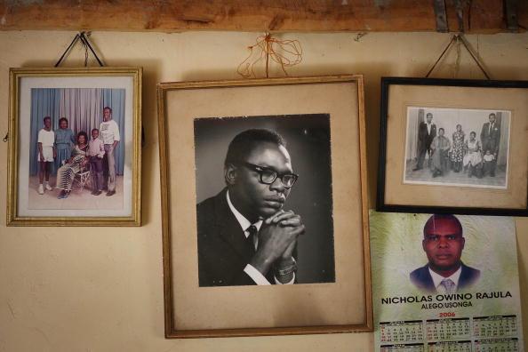 Parent「Barak Obama's Family Roots In Western Kenya」:写真・画像(18)[壁紙.com]