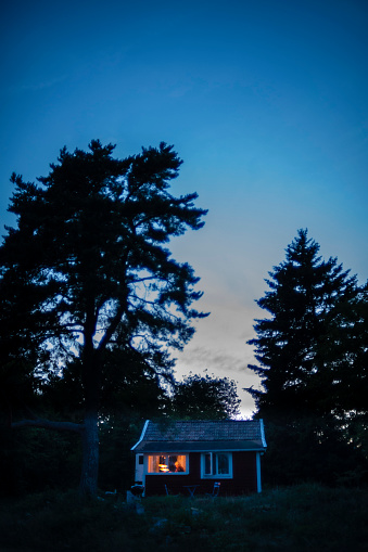 Remote Location「Small cottage at dusk」:スマホ壁紙(2)