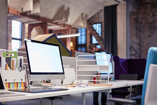 Loft Apartment「Desk in modern office with PCs」:スマホ壁紙(11)
