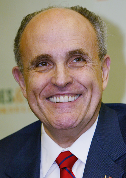 "Hardcover Book「Giuliani Signs Copies Of His Book ""Leadership""」:写真・画像(14)[壁紙.com]"