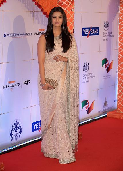 Middle Hair Part「The Duke & Duchess Of Cambridge Visit India & Bhutan - Day 1」:写真・画像(3)[壁紙.com]