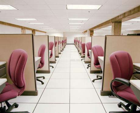 Part of a Series「Hallway between rows of empty cubicles」:スマホ壁紙(6)