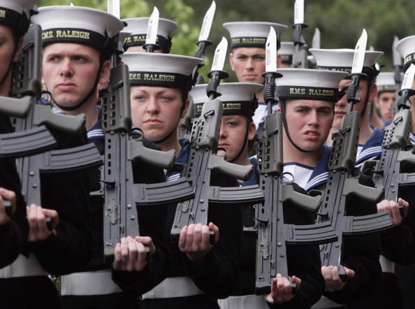 Matt Cardy「Royal Navy Recruits Participate In Their Initial Nine Week Training Course」:写真・画像(13)[壁紙.com]